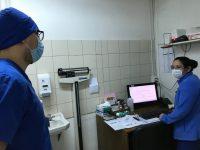 Las horas médicas se siguen otorgando de forma telefónica para evitar traslados y aglomeraciones.