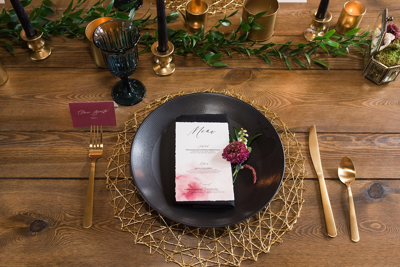 black plate table setting wedding