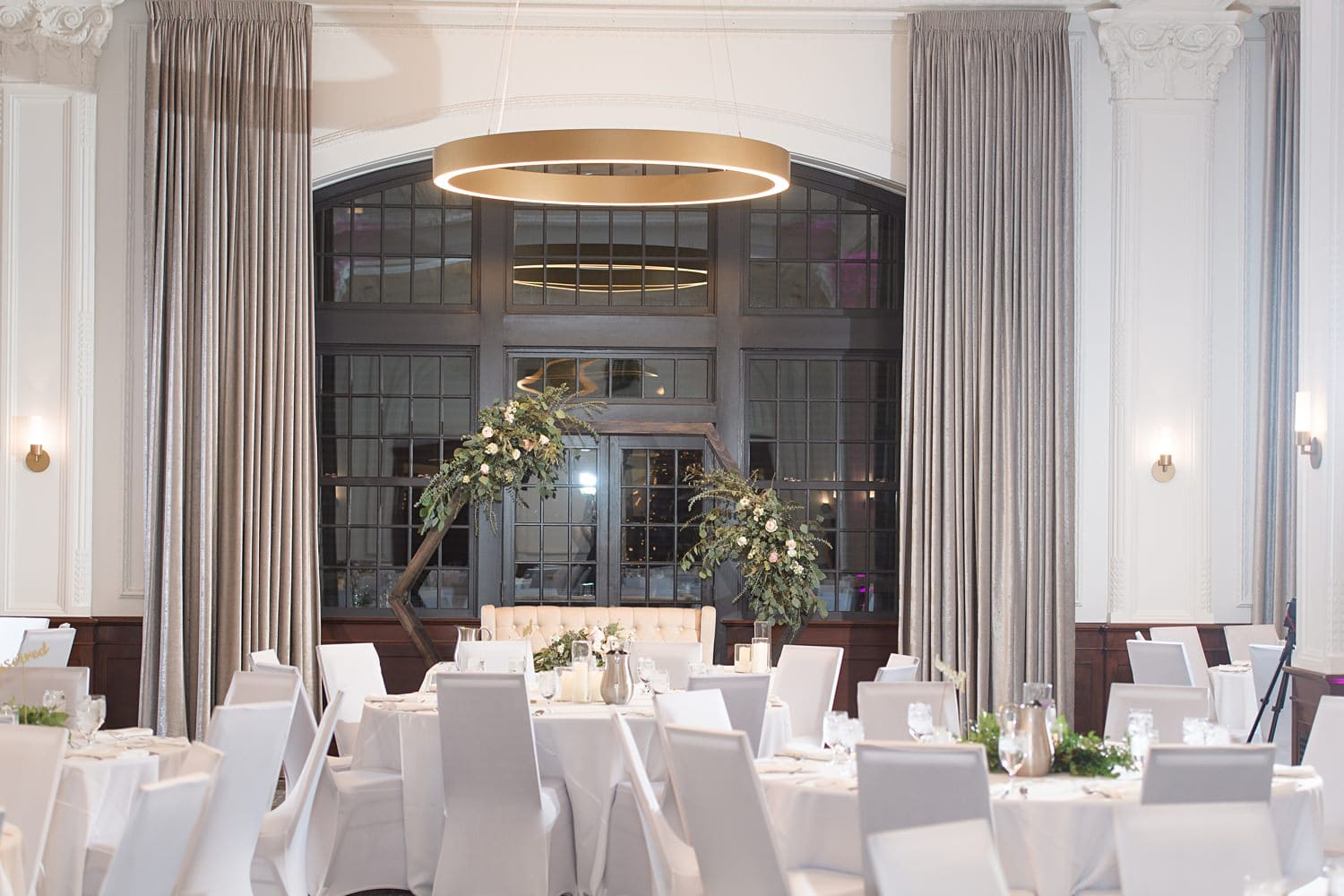 white willow events Des Moines tea room wedding reception