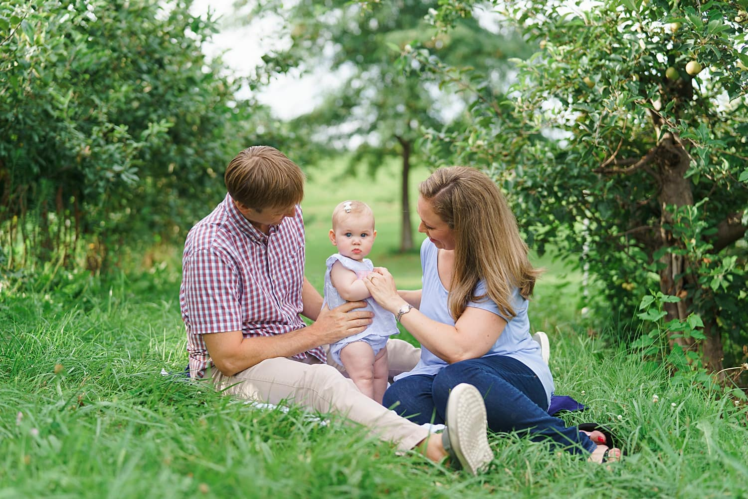 family photos at wilson's apple orchard in solon