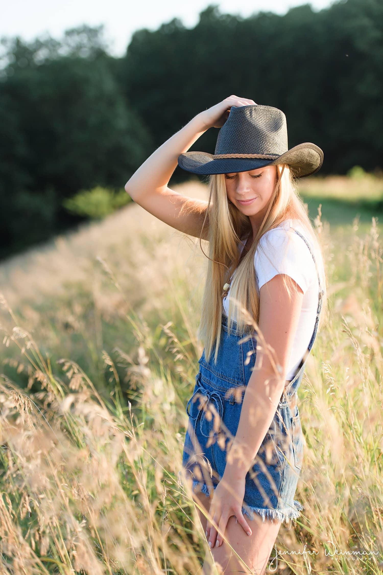 cowgirl hat senior photos