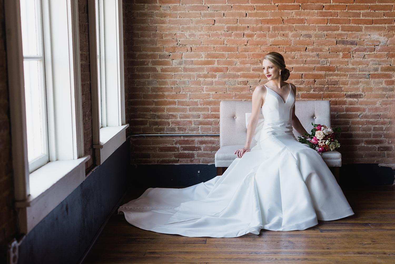 Pella wedding photographer Tamory hall