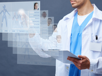 Medicine of the future, showing a doctor using an interactive wall to screen the patients' medical data. Source: iStock by Getty Images; Copyright: mediaphotos; URL: https://www.istockphoto.com/de/foto/zukunft-der-medizin-gm514461372-88109711?clarity=false; License: Licensed by the authors.