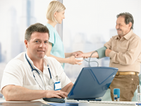 Monitoring of patients with chronic diseases using electronic medical records. Source: Shotshop.com; Copyright: marcus/Shotshop.com; URL: https://www.shotshop.com/stockphoto/gqy-hb3-doctor-data-doctor+visit; License: Licensed by the authors.