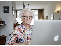Women looks at her diagnostic test results on the online patient portal. Source: Image created by Saltro; Copyright: Saltro; URL: https://formative.jmir.org/2020/3/e17060; License: Licensed by the authors.