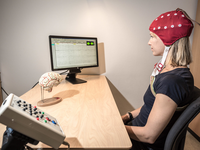 EEG test for ADHD. Source: flickr; Copyright: Helgelandssykehuset; URL: https://www.flickr.com/photos/135766077@N03/36663217250; License: Creative Commons Attribution + Noncommercial + NoDerivatives (CC-BY-NC-ND).