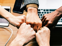 Source: rawpixel.com / Pexels; Copyright: rawpixel.com; URL: https://www.pexels.com/photo/group-hand-fist-bump-1068523/; License: Licensed by JMIR.