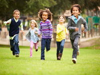 Source: Adobe Stock; Copyright: Monkey Business; URL: https://stock.adobe.com/ca/search?load_type=search&native_visual_search=&similar_content_id=&is_recent_search=&search_type=usertyped&k=children+running&asset_id=84473072; License: Licensed by JMIR.