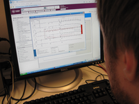 Student working with the Web-based electrocardiogram learning resource. Source: Image created by the Authors; Copyright: Mikael Nilsson; URL: https://mededu.jmir.org/2019/2/e12791/; License: Creative Commons Attribution (CC-BY).