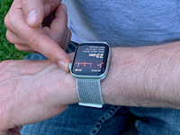 Apple Watch user records ECG and checks for atrial fibrillation. Source: Image created by the Authors; Copyright: The Authors; URL: https://mhealth.jmir.org/2019/6/e13641; License: Creative Commons Attribution (CC-BY).