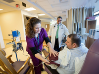 A picture of a patient receiving care in an ambulatory oncology setting. Source: Michigan Medicine Media bank; Copyright: Michigan Photography; URL: https://mediabank.med.umich.edu/media/1_kh3okkk4; License: Creative Commons Attribution + Noncommercial (CC-BY-NC).