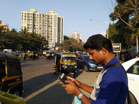 A field data collector enters observational data using the digital data collection application in Mumbai, India. Source: Image created by the Authors; Copyright: The Authors; URL: http://www.jmir.org/2020/5/e17129/; License: Creative Commons Attribution (CC-BY).