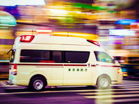 Ambulance running through a street in Tokyo, Japan. Source: iStock; Copyright: 4X-image; URL: https://www.istockphoto.com/photo/tokyo-speeding-gm518896385-46452844; License: Licensed by the authors.