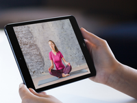 A participant watches a meditation instructional video (montage). Source: Freepik / Placeit; Copyright: JMIR Publications; URL: https://cancer.jmir.org/2019/2/e13217; License: Creative Commons Attribution (CC-BY).