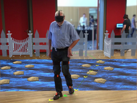 Augmented reality rehabilitation of gait impairments. Source: Image created by the Authors; Copyright: The Authors; URL: http://mhealth.jmir.org/2020/5/e17804/; License: Creative Commons Attribution + Noncommercial + NoDerivatives (CC-BY-NC-ND).