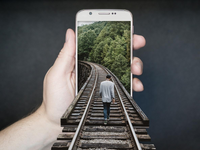 Source: Pixabay; Copyright: FunkyFocus; URL: https://pixabay.com/photos/manipulation-smartphone-gleise-run-2507499/; License: Licensed by the authors.