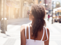 Source: Adobe Stock; Copyright: neonshot; URL: https://stock.adobe.com/ca/images/african-american-woman-walking-at-sunny-day/209626928?asset_id=209626928; License: Licensed by JMIR.