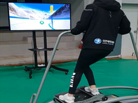 Riding on a ski simulator with virtual reality (VR) content. Source: Image created by the author (Hyo Taek Lee); Copyright: Hyo Taek Lee; URL: https://games.jmir.org/2020/4/e16693; License: Creative Commons Attribution (CC-BY).