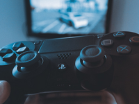 Source: Pexels; Copyright: Jaroslav Nymburský; URL: https://www.pexels.com/photo/black-sony-ps4-dualshock-4-wireless-controller-687811/; License: Licensed by the authors.