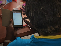 mPCAT usability testing in Kenya. Source: Image created by Authors; Copyright: The Authors; URL: http://mhealth.jmir.org/2019/5/e13963/; License: Creative Commons Attribution (CC-BY).