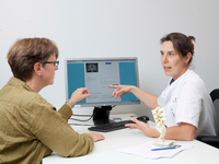 Clinician uses the ADappt communication module to explain test results to a patient. Source: Image created by the Authors; Copyright: The Authors; URL: http://formative.jmir.org/2019/2/e13417/; License: Licensed by JMIR.