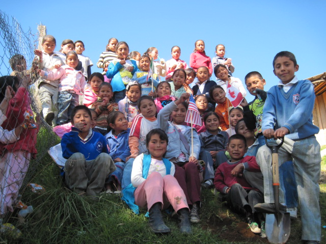 Students Receive Symbolic Monarchs in Mexico