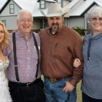 Rhonda Vincent with promoters Norman and Judy Adams with Daryle Singletary at the February Palatka Bluegrass Festival (2/11/17) - photo © Bill Warren
