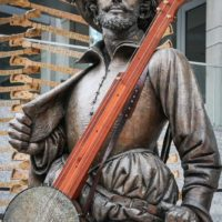 Sir Walter Raleigh with his banjo at the 2017 World Of Bluegrass - photo by Frank Baker