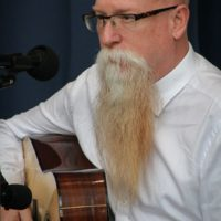 David Grier at the guitar workshop during the 2017 Wide Open Bluegrass - photo by Frank Baker