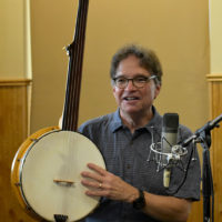 Bill Evans gives his Banjo In America presentation at the 2018 High Mountain Hay Fever festival - photo by Kevin Slick
