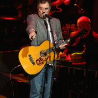 Larry Cordle recognizes Ricky Skaggs at the Country Music Hall of Fame (10/21/18) - photo byTerry Wyatt/Getty Images