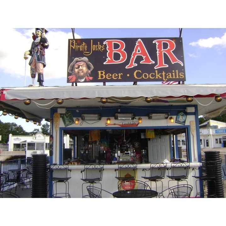 Pirate Jack's Bar in Arnolds Park