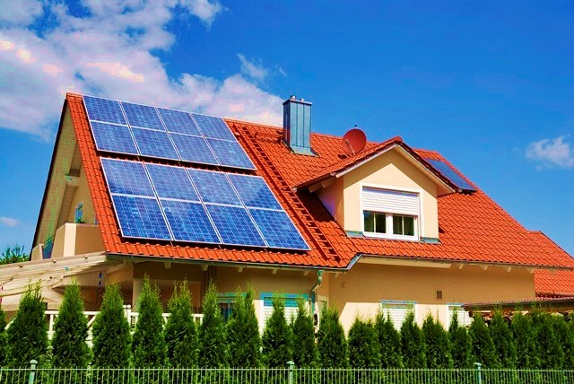 Califórnia, EUA, passa a exigir a instalação de painéis de energia solar em novas residências