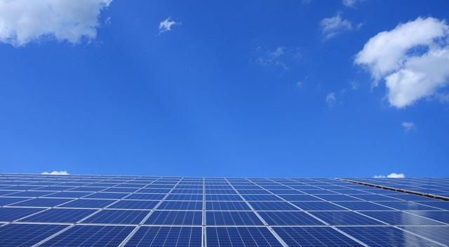 Energia Solar cresce duas vezes mais que combustível fóssil em 2017