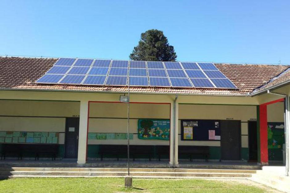 Escolas municipais brasileiras vão utilizar energia solar