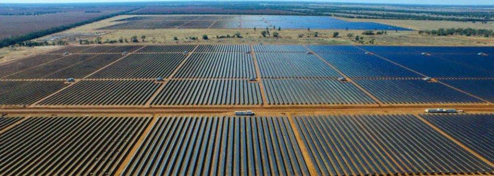 Maior parque solar do Brasil começa a operar na Bahia