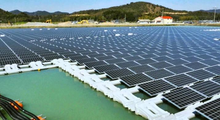 Primeira usina flutuante de energia solar começa a ser construída na Holanda.