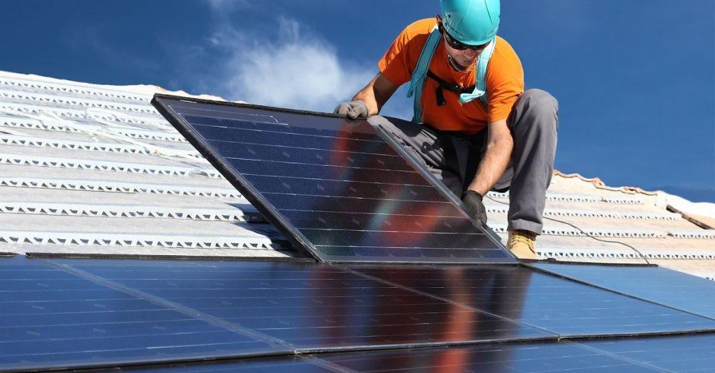 Produção de energia solar fotovoltaica pode dobrar em 2018.