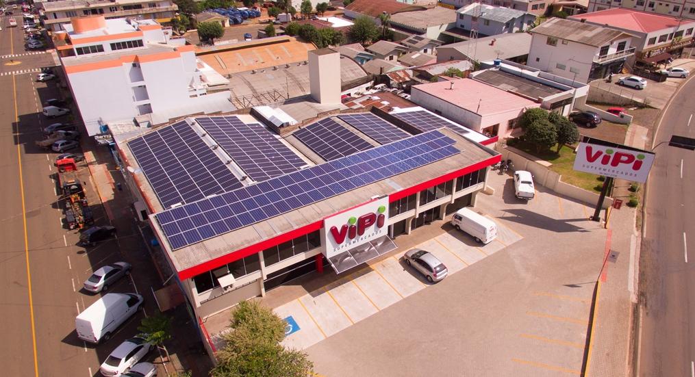 Projeto Supermercados Solares instala seu primeiro sistema de energia solar