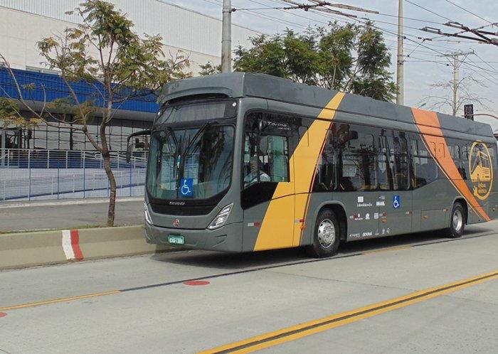 UFSC desenvolve ônibus elétrico movido a energia solar