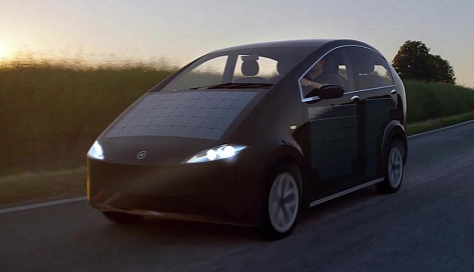 ac58e6496aa Sion  Conheça o carro movido por energia solar!