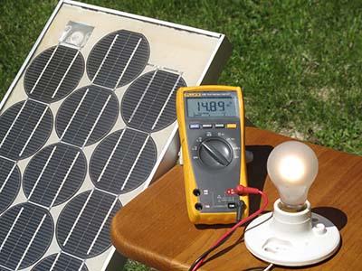 Painel Solar com 35 anos de idade ainda funciona