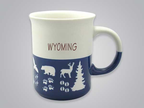 57101WY - Wildlife Blue & White Mug, Name-drop