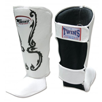 Twins Wide Shin Instep Guards - White/Black