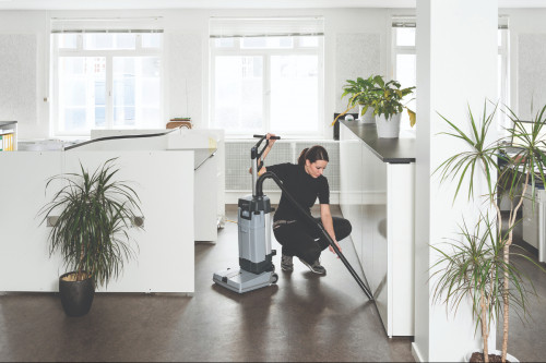 Advance SC100 Upright Floor Scrubber