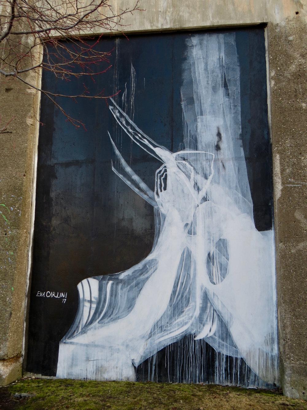 mural in Chicago by artist Eva Carlini
