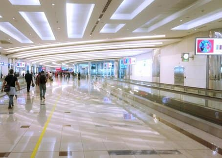 Dubai airport, after completing immigration, on the way to baggage carousel