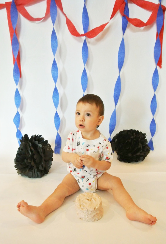 adorable, first, baby, toddler, smash, cake, DIY, colorful, fun, personal, experience, simple, easy, birthday, cute, background, decorations, target, dollar, store, budget, stand, onesie, camera, mickey mouse, theme, photoshoot, photo session, streamers, pom poms, walmart, stress, first-time, parents, motherhood, milestone, memories, homemade, mini, small, number candle, nikon, personal, healthy, 2017, pinterest, pins, board, paper, creative, cheap, box, quality