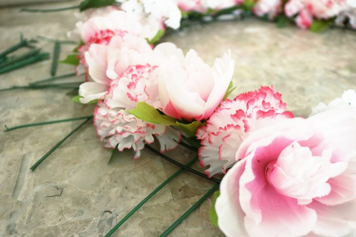 DIY, Spring, Wreath, do it yourself, lifestyle, season, crafty, dollar store, dollar tree, michaels, wreath loop, flowers, carnations, peonies, baby's breath, easy, cheap, frugal, instructions, breeze, weather, warm, south east, sc, door wreath, wire wreath, bouquets, step by step, momblogger, momlife, motherhood