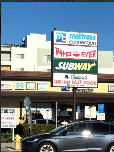 2400 South Barrington Avenue Los Angeles, CA 90064 - alt image 2